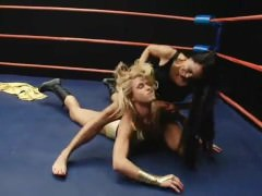 Superheroines Wrestle Villainess